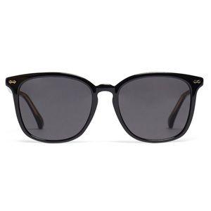 """Gucci """"classic square sunglasses"""""""